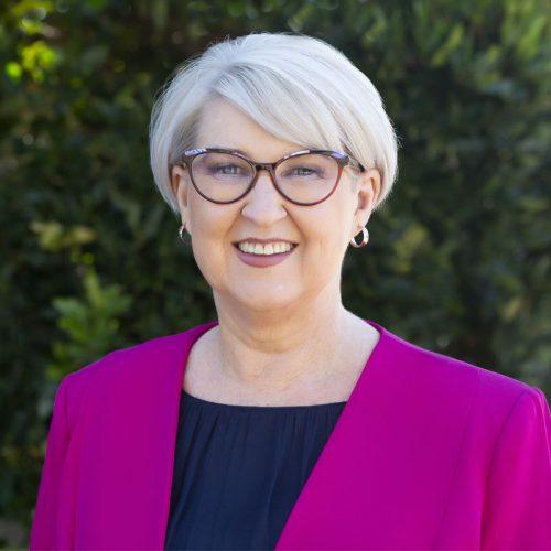 Sue Dewar profile image